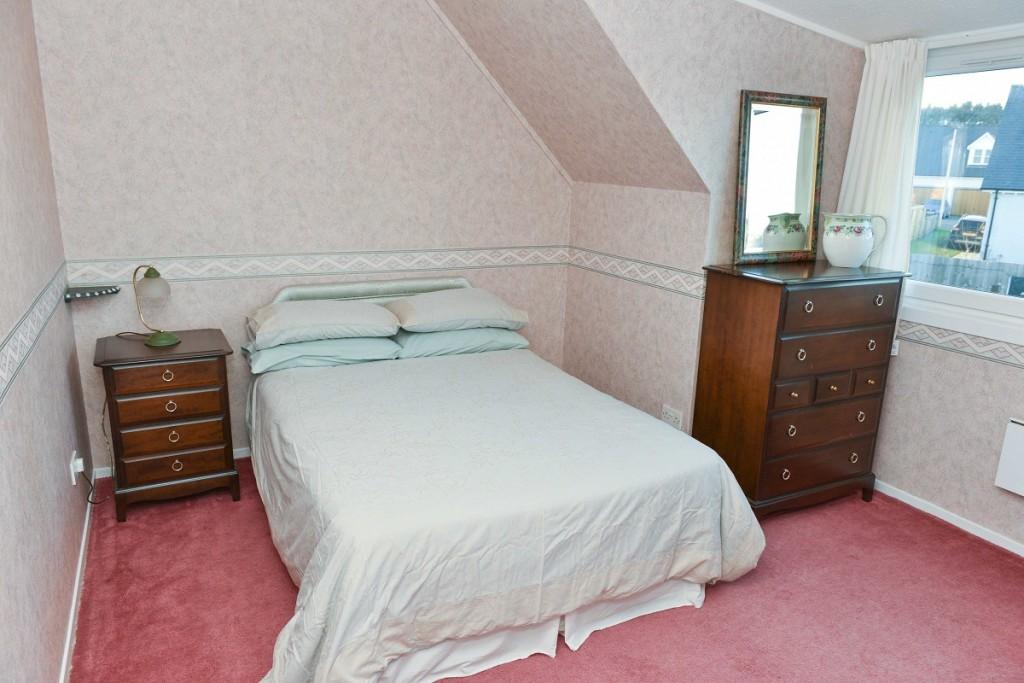 6 Invergarry Park Bedroom