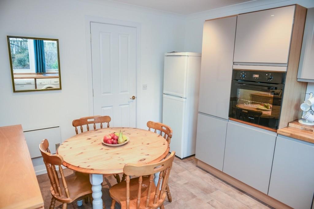 6 Invergarry Park Kitchen
