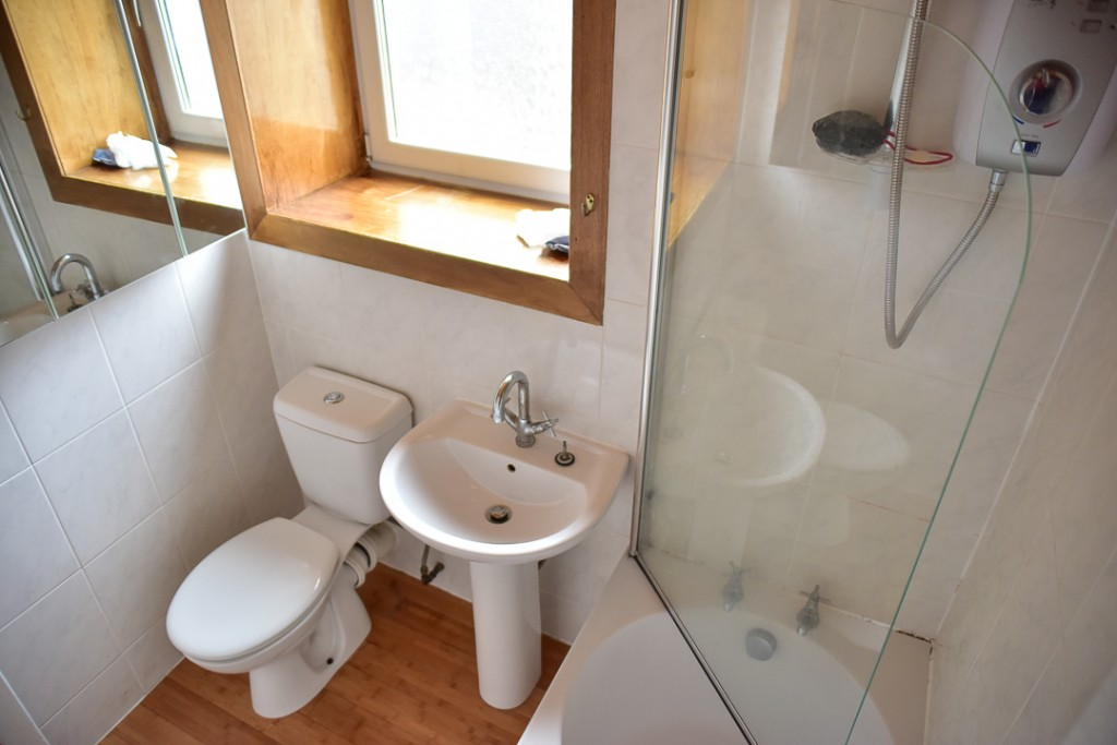 10 Harbour Place Bathroom
