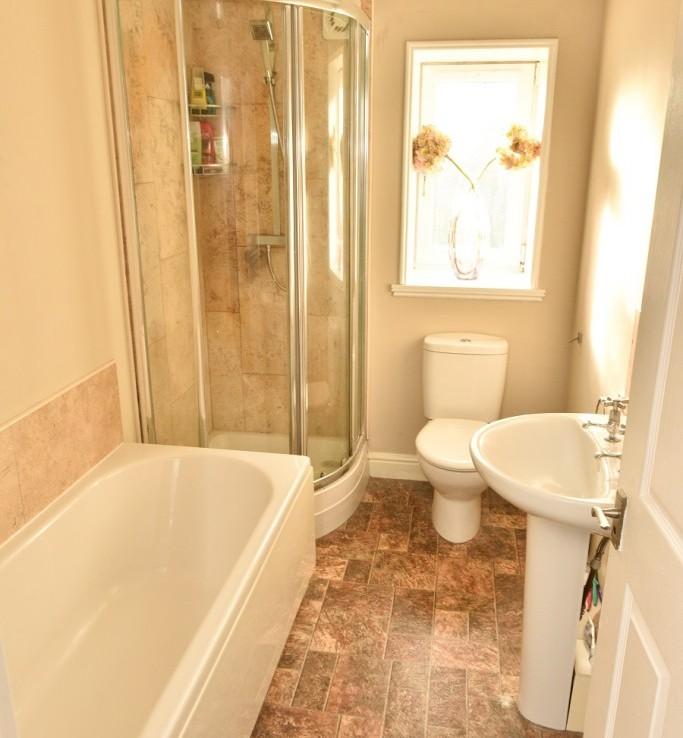 3 Brougham Square Bathroom