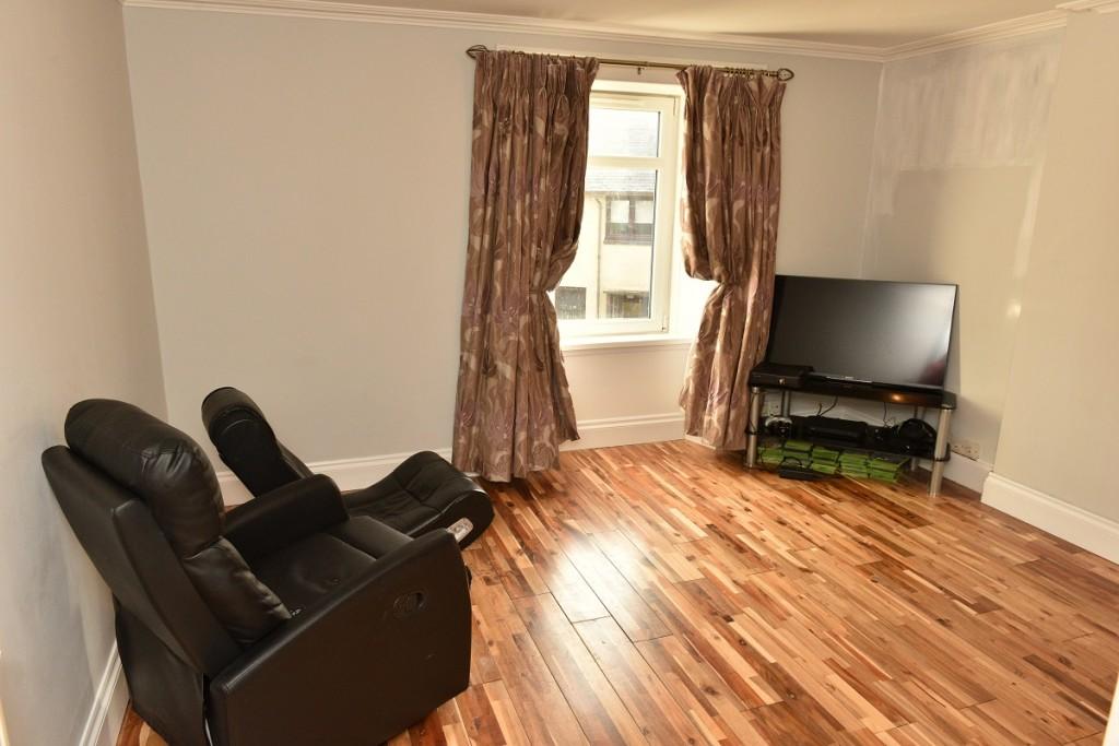 3 Brougham Square Lounge