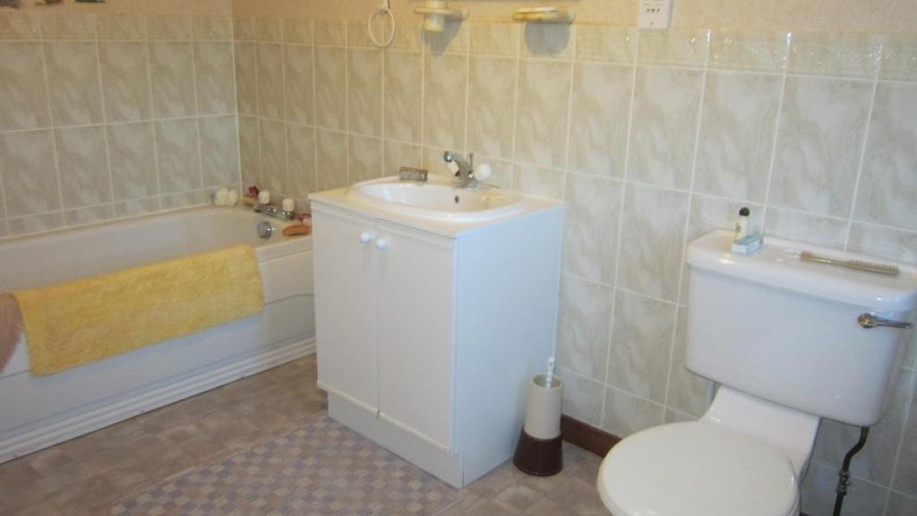 Dochas Glasterlaw En-suite Bathroom